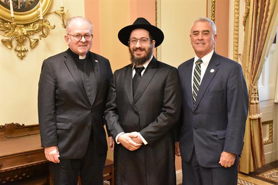 Wenstrup Welcomes Rabbi Avtzon to U.S. Capitol to Deliver the Opening Prayer